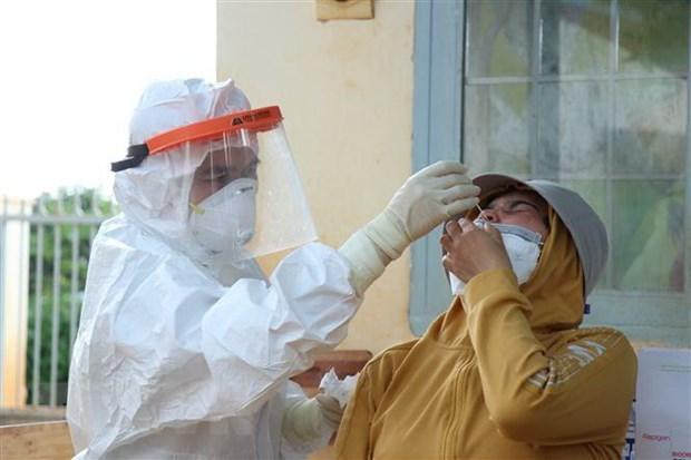 15 сентября во Вьетнаме было зарегистрировано 10.585 новых случаев COVID-19 hinh anh 1
