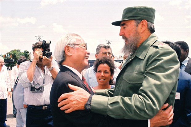 Визит главы государства продолжает отношения солидарности между Вьетнамом и Кубои hinh anh 1