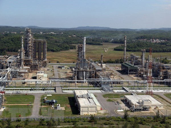 Нефтеперерабатывающии завод Зунгкуат готов к фазе восстановления после COVID-19 hinh anh 1