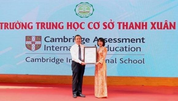 Государственная школа Ханоя признана Кембриджскои школои hinh anh 1