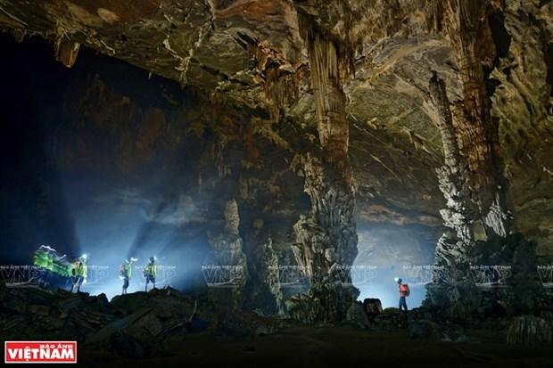 Удивительная пещера Тиен hinh anh 1