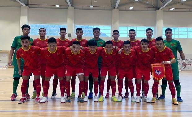 Сборная Вьетнама по мини-футболу призвала 22 игрока подготовиться к чемпионату мира по футзалу 2021 года hinh anh 1