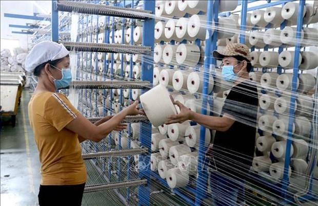 The Economist: COVID-19 не смог остановить экономику Вьетнама hinh anh 1